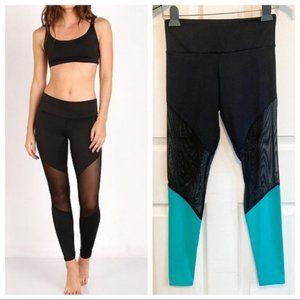 Onzie Mesh Track Legging in Black and Teal XS